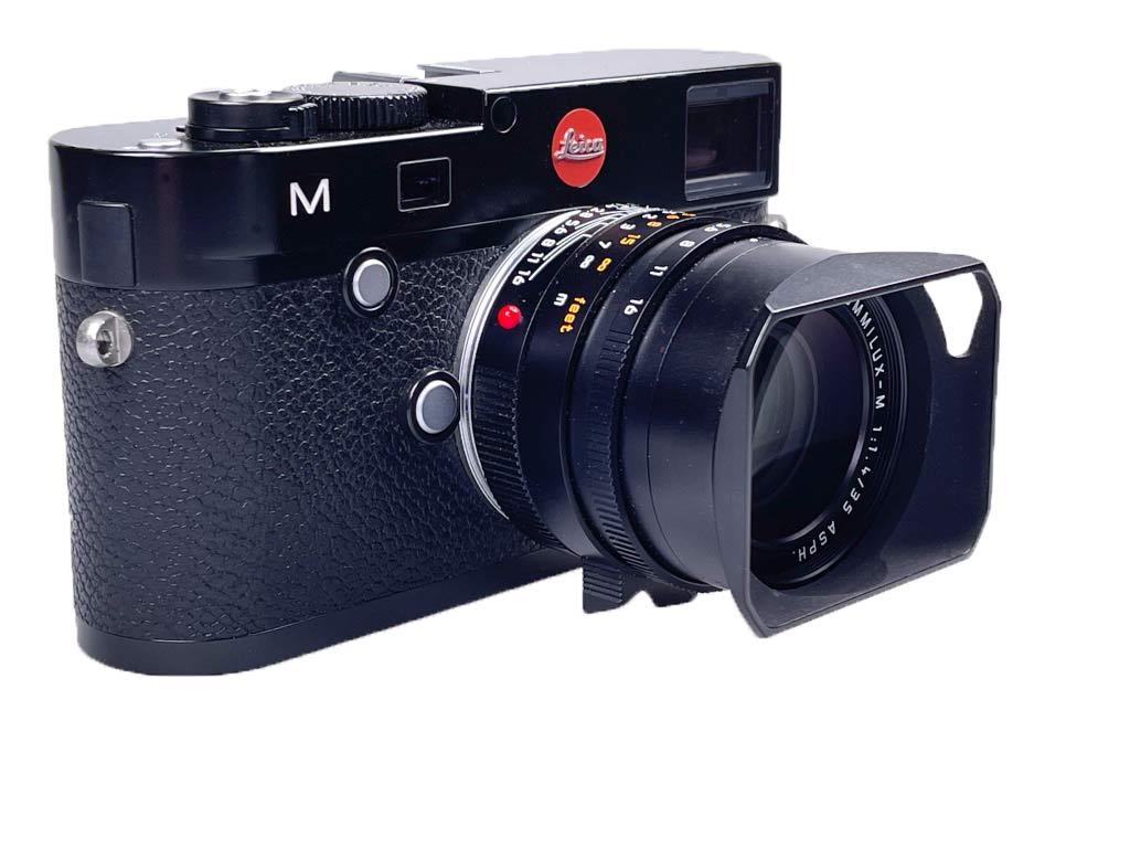 Leica M (Typ 240) mit Summilux 35mm, Gewicht mit Akku und Karte 683 Gramm