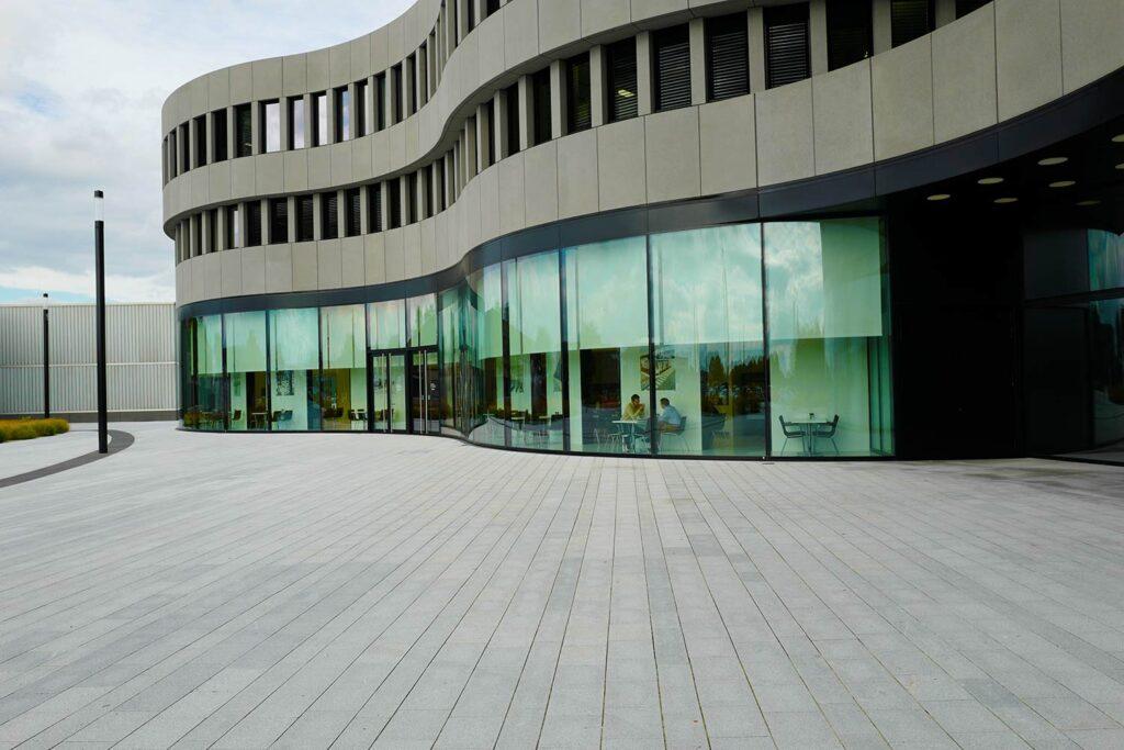 Die Architektur der Gebäude im Leitz Park ist schon faszinierend