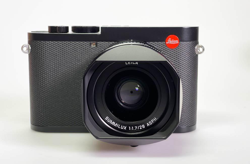 Leica Q2 Frontalansicht meiner Kamera