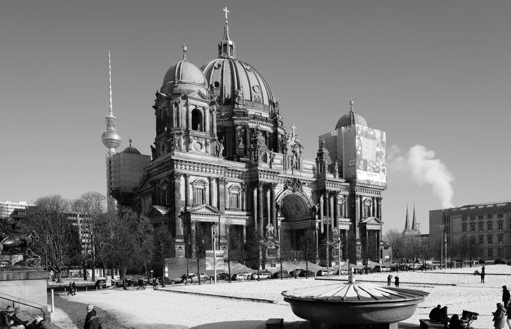 Leica Q2: ein sehr scharfes Foto des Berliner Doms