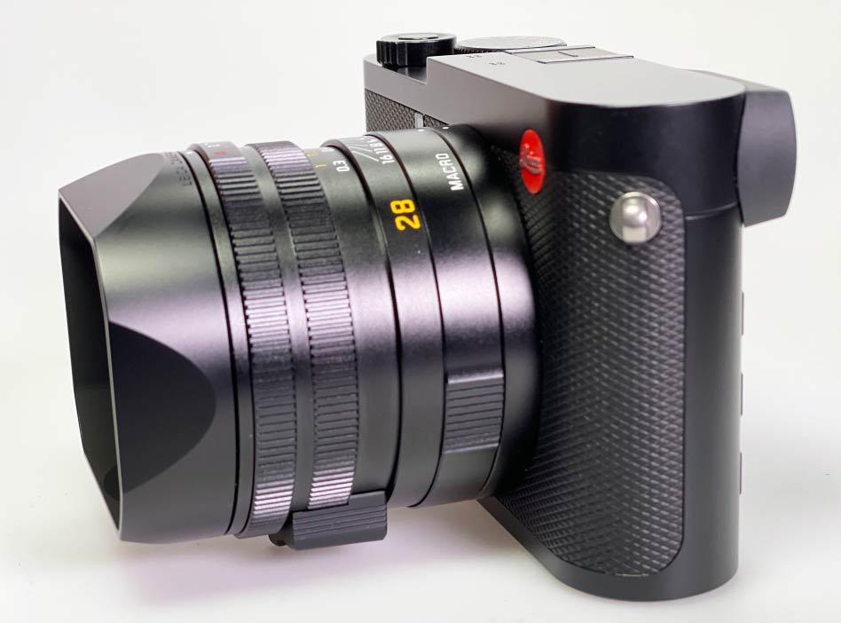 Leica Q2: Seitenansicht