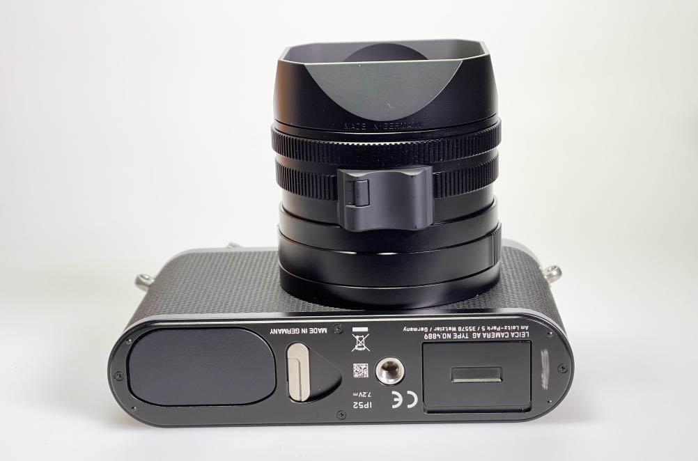 Leica Q2: mit Blick von unten
