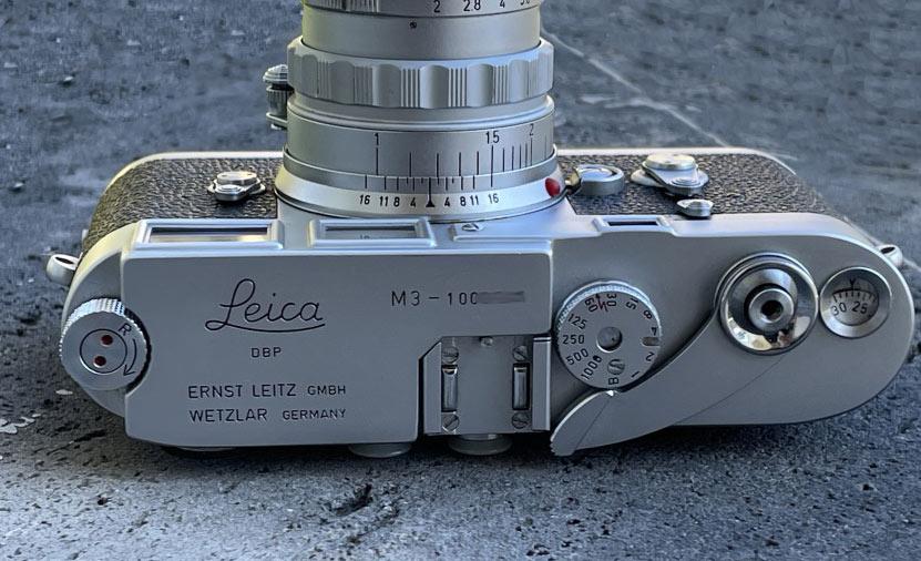 Blick von oben auf die Leica M3 mit 50mm Summicron