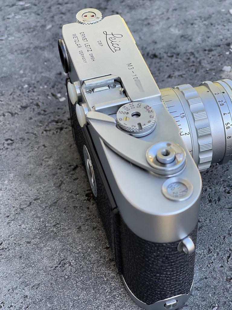 Das Meisterwerk die Leica M3 von seitlich oben fotografiert
