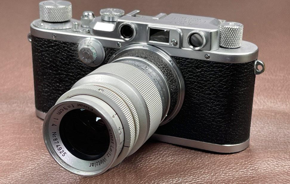 Eine alte Kamera die Leica IIIa aus dem Jahre 1938. Mit einem Leica Elmar Objektiv 1:4 9cm