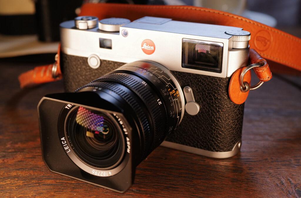 Leica M10-R mit meinem Lieblingsobjektiv für Architektur-Fotografie dem Tri-Elmar 16-18-21mm