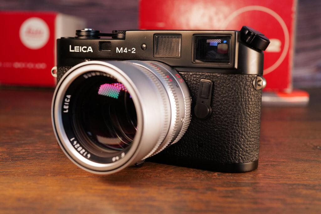 Leica M4-2 mit dem aktuellen Summilux-M 50mm
