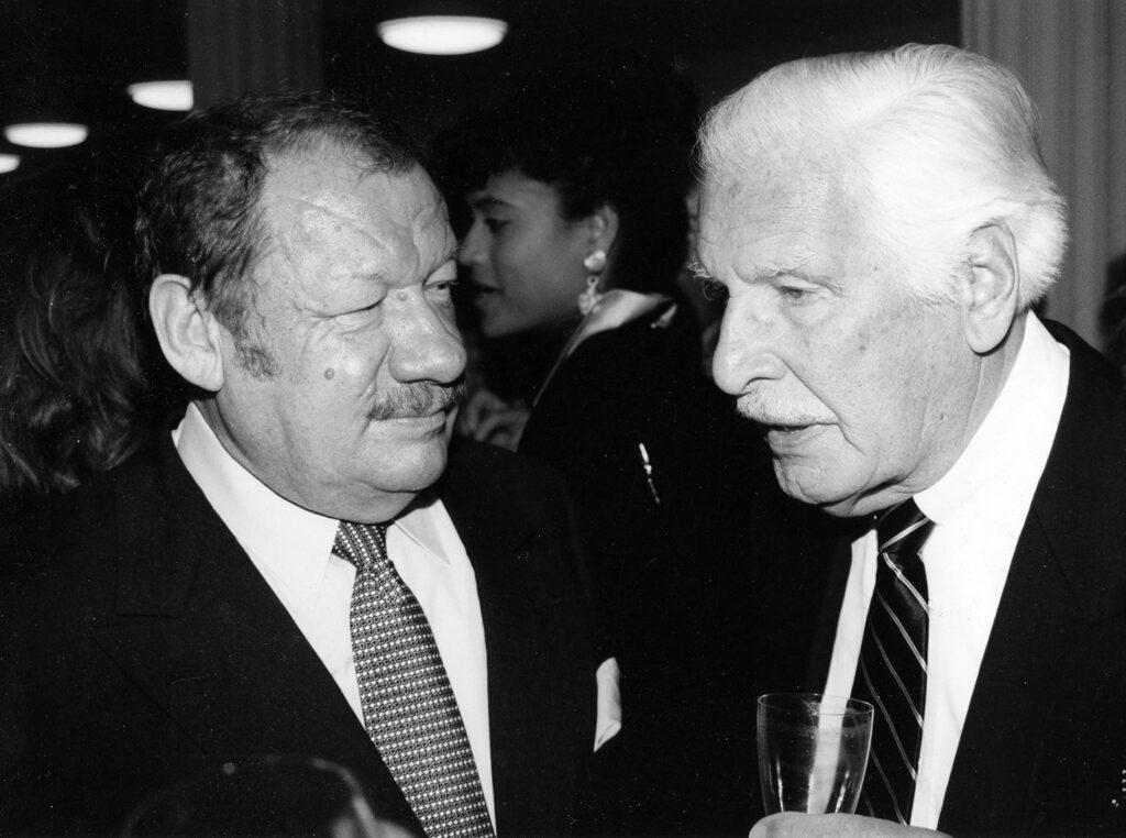 Leica M4-2 im Einsatz. Schauspiel Urgesteine schon Ende der 1980iger Jahre. Wolfgang Völz (links) und Friedrich Schönfelder (rechts)