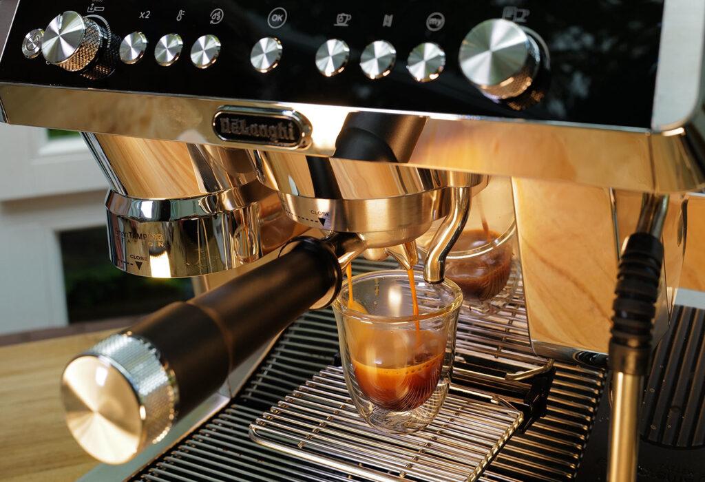 Foto mit Leica SL2 - frischer Espresso
